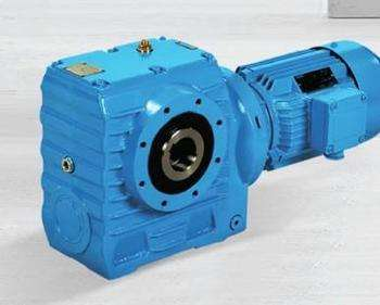 What are the preparatory work to be done for the test drive and loading of the reducer?